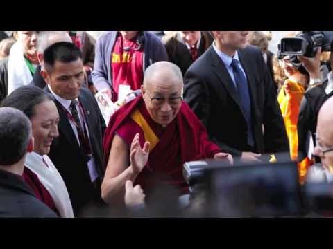 dalai - In April 2013, His Holiness the Dalai Lama was in Forum Fribourg - Switzerland during two days for teachings about  Daily meditation, source of inner peace ...