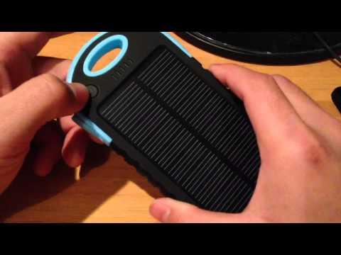 Batteria portatile con ricarica solare per Android e iPhone