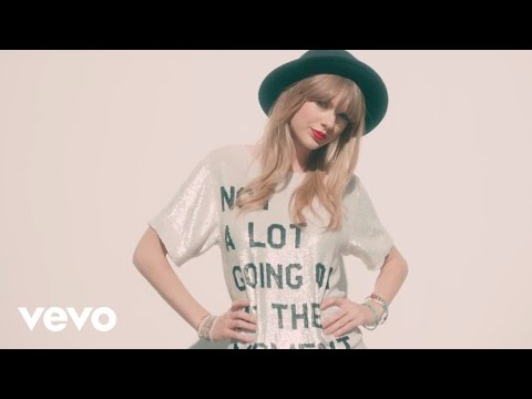 taylor - Buy Now! iTunes: https://itunes.apple.com/us/music-video/22/id617167262 Music video by Taylor Swift performing 22. (C) 2013 Big Machine Records, LLC.