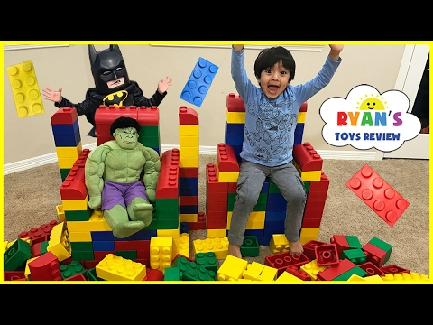 GIANT LEGO BUILDING CHALLENGE FOR KIDS! Lego Batman Superhero IRL ! Family Fun Playtime with toys!