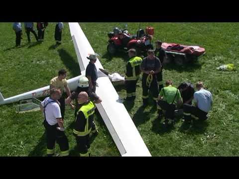 Willingen: Notlanduntg, Segelflieger verletzt