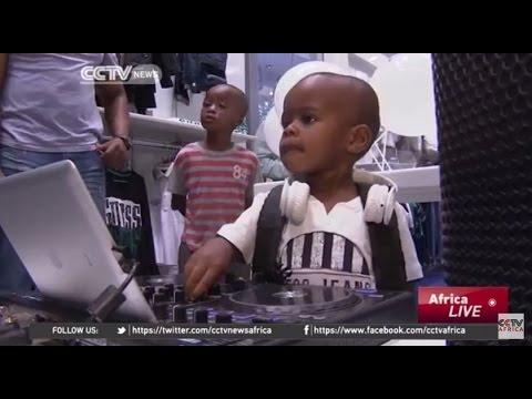 Solo tiene 2 años y es el mejor DJ