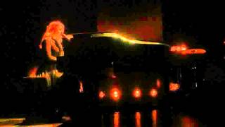 "Coeur de Pirate "" Sorry "" Lyon Radiant le 24/04/16..."