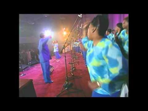 Chicago Mass Choir- He's Gonna Work It Out.avi