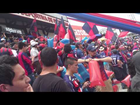 MAFIA AZUL GRANA entrando - Mafia Azul Grana - Deportivo Quito