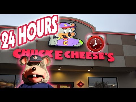 (CREEPY!) 24 HOUR OVERNIGHT in CHUCK E CHEESE FORT ⏰  | BEST OVERNIGHT CHALLENGE in CHUCK E CHEESE! (видео)