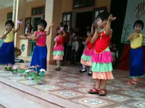 Video múa văn nghệ