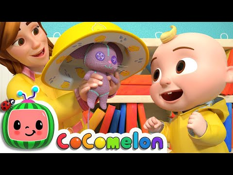 Yes Yes Dress for the Rain   CoComelon Nursery Rhymes & Kids Songs