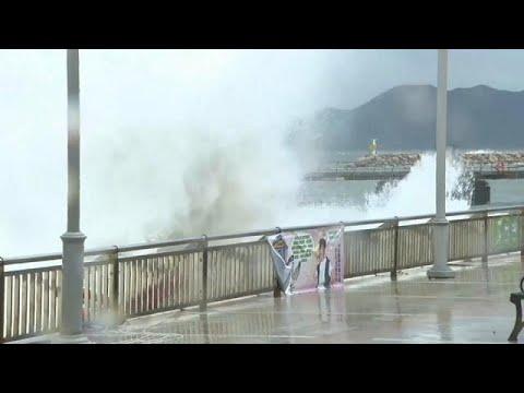 Ισχυρός τυφώνας σαρώνει το Χονγκ Κονγκ