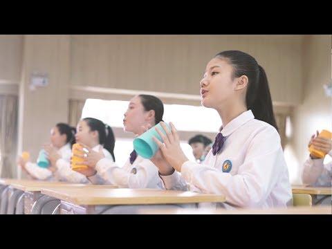 大陸廈門的國中合唱團用杯子和歌聲表演周董歌曲<稻香>