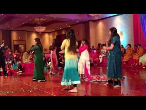 mehndi dance - Nadia, Mashal, Kaamila, Saba and Aleena! Songs in order: 1. Gun Gun Guna Re 2. Second Hand Jawani 3. Suit Tere Laal 4. Dilwalli Girlfriend.