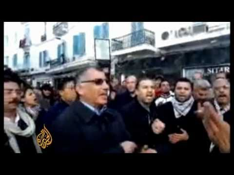 Tunisia protests spread to capital