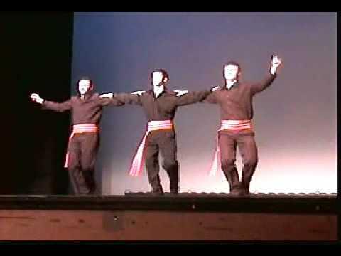 impariamo la zorba sirtaki - una danza tipica greca