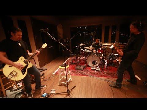 Poslechněte si! První kytarový YouTuber, který zachránil Bon Jovi