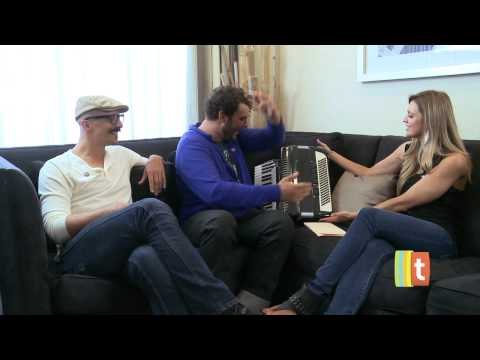 willywats - HiimRawn (and his accordion) and WillyWats sit down for a little two-on-one interview with Tubefilter at VidCon 2011 in Los Angeles, CA. HI IM RAWN: http://w...