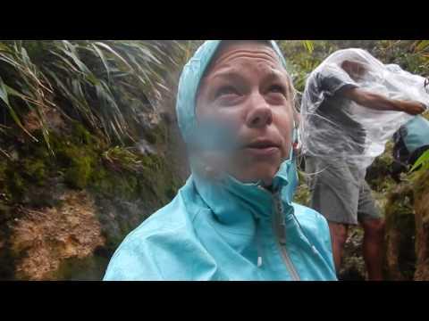 Speel DUIKEN Team @ Boiling Lake Dominica af