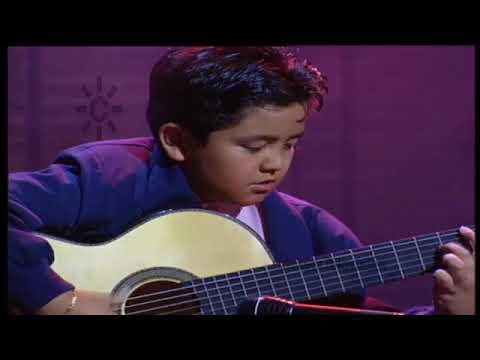 Rayito, niño prodigio de la guitarra flamenca,