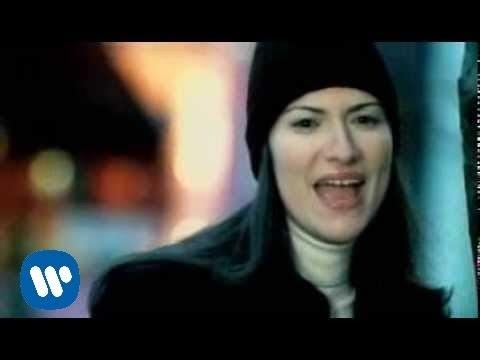 Quiero Decirte Que Te Amo - Laura Pausini (Video)