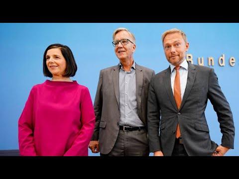 FDP, Linke und Grüne klagen gegen bayerisches Polizei ...