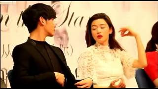 Video Kim Soo Hyun & Jun Ji hyun Moment ( You Who Came From The Stars Press Conference ) MP3, 3GP, MP4, WEBM, AVI, FLV Maret 2018