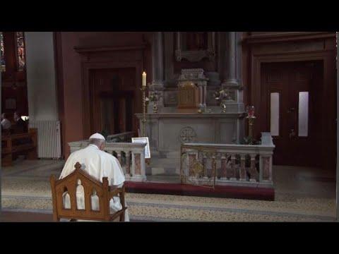 Με θύματα κακοποίησης συναντήθηκε ο πάπας στην Ιρλανδία  …