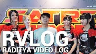 Video RVLOG - SEKALI2NYA KE PREMIERE FILM LAIN MP3, 3GP, MP4, WEBM, AVI, FLV Mei 2017