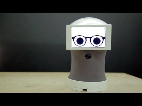 Peego روبوت يحاورك من خلال صور GIF
