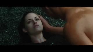 Trzeci trailer filmu Księżyc w nowiu, kontynuacji przebojowego Zmierzchu. Premiera już 20.11.2009, temperatura rośnie! Polecam, naprawdę świetny trailer i o ...