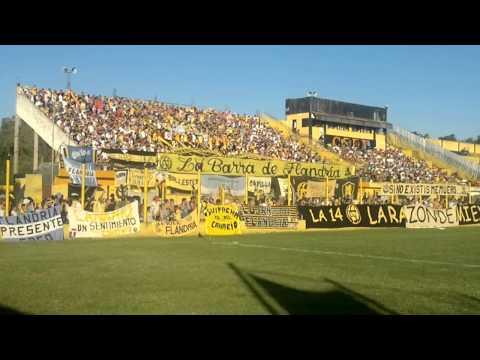 """""""La 14"""" alentando a Flandria vs Atlanta - La Barra de Flandria - Flandria"""