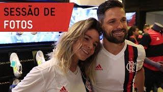O craque Diego participou de sessão de fotos da Adidas na Gávea. ---------------------- Seja sócio-torcedor do Flamengo:...