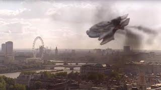 Spaceship CRASHES Into Big Ben!