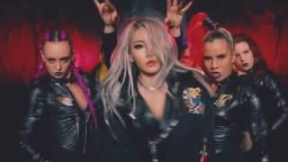 CL ft . Iggy Azalea   Hello Bitches (Official Video)