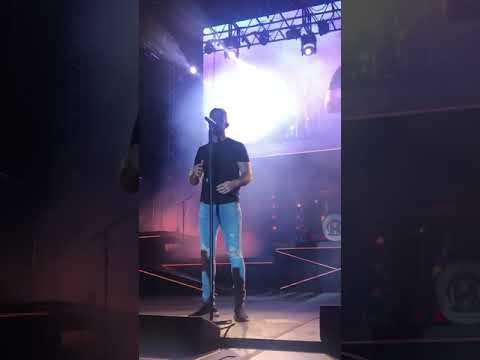 Video Marry Me by Thomas Rhett live in Buffalo download in MP3, 3GP, MP4, WEBM, AVI, FLV January 2017