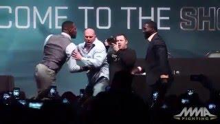Pięknie go w ch*ja zrobili! Zajebista akcja dwóch zawodników UFC na prezentacji przed walką!