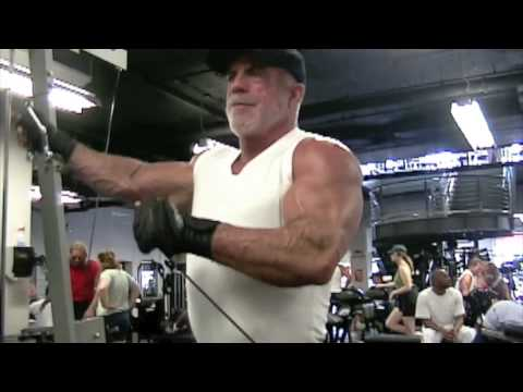 Fitness & Bodybuilding Over 40: Richard Sullivan Lateral Delt / Shoulder Tutorial