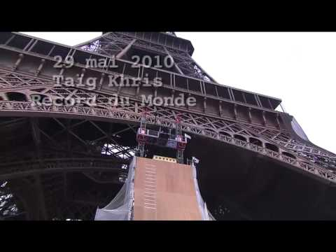 Man Jumps off Eiffel Tower for New World Record
