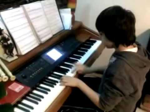 Tiago Grácio composição- Dança India de William Gillock em piano