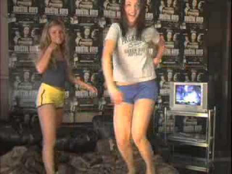 Chicas bailando frente a la Webcam