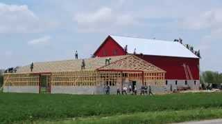 Ten Hours Of Amish Barn-Raising Squeezed Into A 3.5 Minute Timelapse