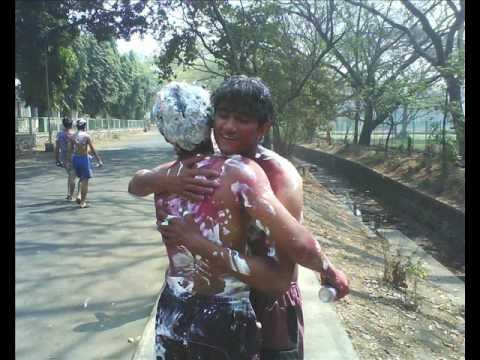I.I.T Bombay HOLI fest.wmv (видео)