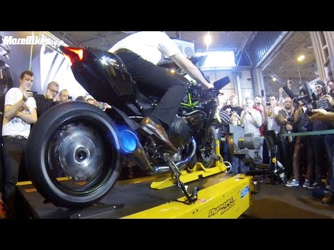 dyno - Get the full story at http://www.morebikes.co.uk/326hp-kawasaki-h2r-spits-flames-on-dyno/ Incredible footage of the amazing Kawasaki H2R on a rolling road dy...