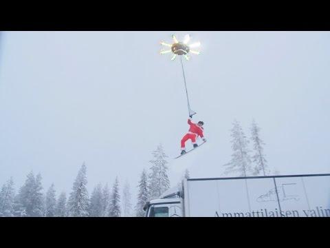 Człowiek latający za pomocą dronu