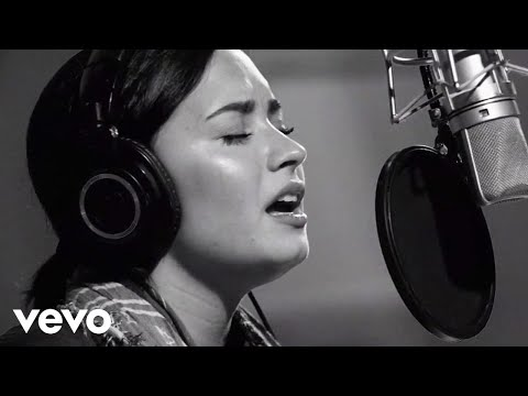 Demi Lovato - Stone Cold-Confident lyrics