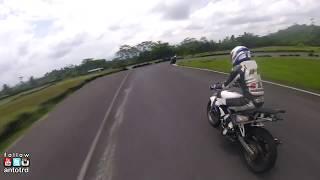 Video CRYSTAL BEAT NINJA Trackday Cornering Indonesia Sirkuit Bukit Peusar Tasikmalaya MP3, 3GP, MP4, WEBM, AVI, FLV Desember 2018