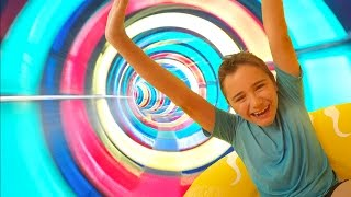 Video VLOG - SENSATIONS FORTES au PARC AQUATIQUE AQUALAND - Toboggans Aquatiques Fun MP3, 3GP, MP4, WEBM, AVI, FLV Mei 2017
