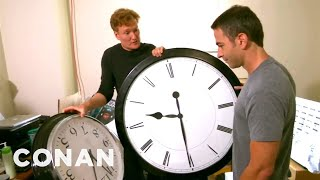 Video Conan Catches Jordan Schlansky Coming In Late MP3, 3GP, MP4, WEBM, AVI, FLV Agustus 2019