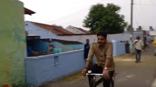 Pavankalyan katamarayudu movie shooting video leaked...Pavankalyan katamarayudu movie teaser and trailer and songs coming soon. Movie is going rocking and he shake the box office collections for this movie..