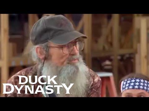 Duck Dynasty: Si Almost Ruins a Surprise (Season 4 Flashback) | Duck Dynasty