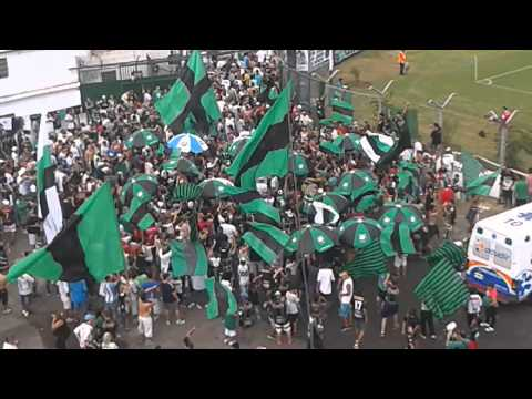 Video - Chicago 1 vs UAI Urquiza 0. Entrada de la hincha - La Barra de Chicago - Nueva Chicago - Argentina