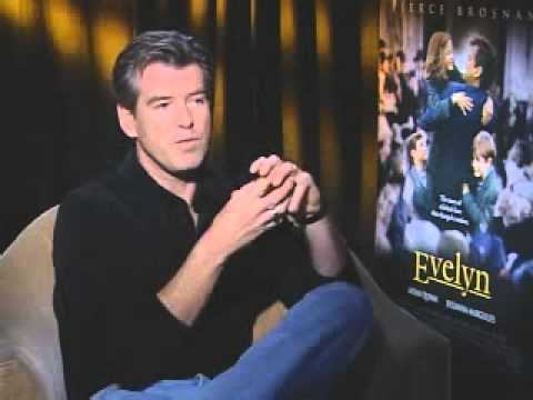 AOL: Pierce Brosnan & Julliana Margulies interview (2002)
